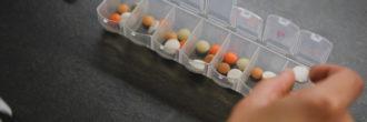 Optimalno jemanje zdravil: Kdaj in kako jih kombinirati?