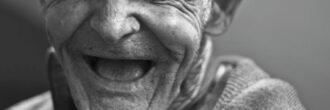 Vse, kar morate vedeti o vzdrževanju ustne higiene in zdravju zob dementnega starostnika